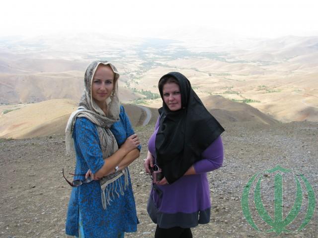 На перевале. Ольга и Эрика