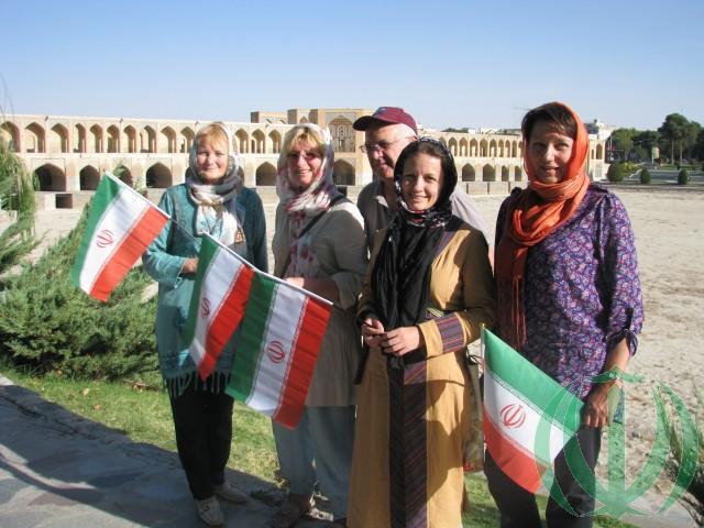 Благородный Исфахан. Латвийские Друзья Ирана на берегу реки Заянде