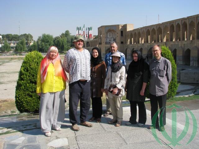 Благородный Исфахан. Латвийские Друзья Ирана у моста Хаджу