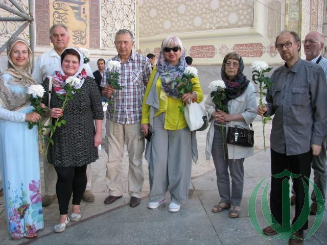 Латвийские Друзья Ирана в Бехешт-е-Захра