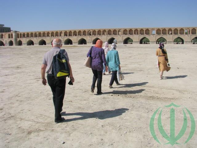 Исфахан. По дну реки Заянде