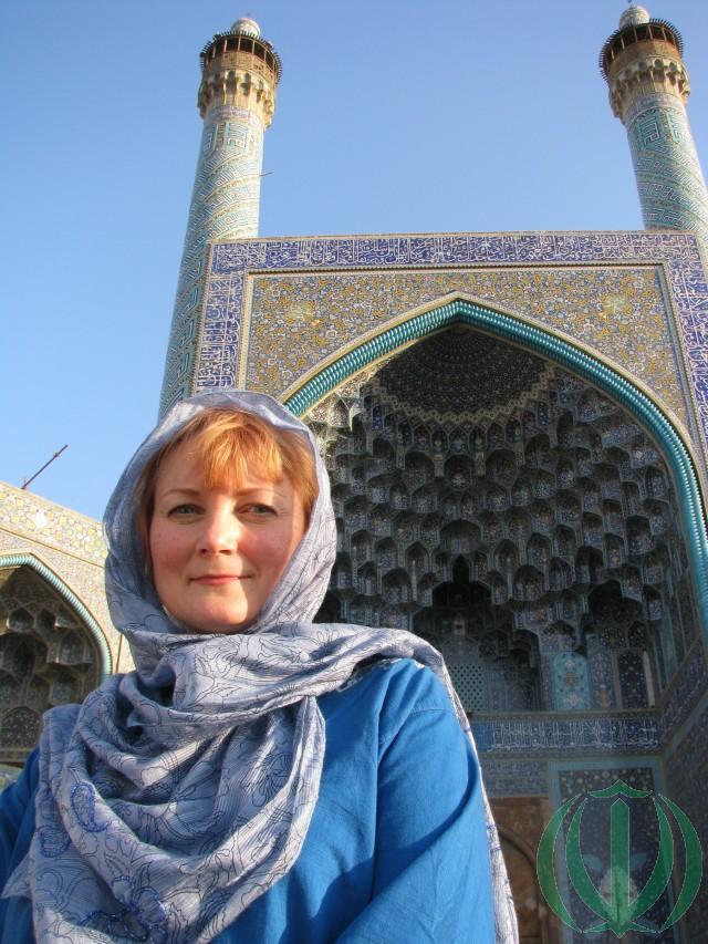 Мария Пири у мечети Аббаси