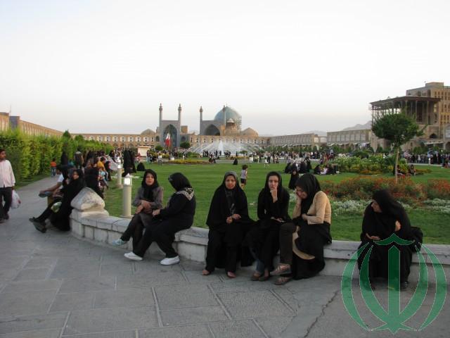Площадь Нагше Джахан