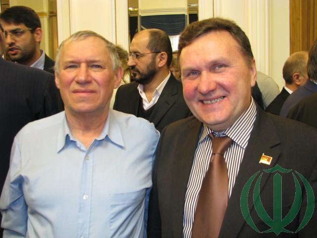Автор и Евгений Логинов
